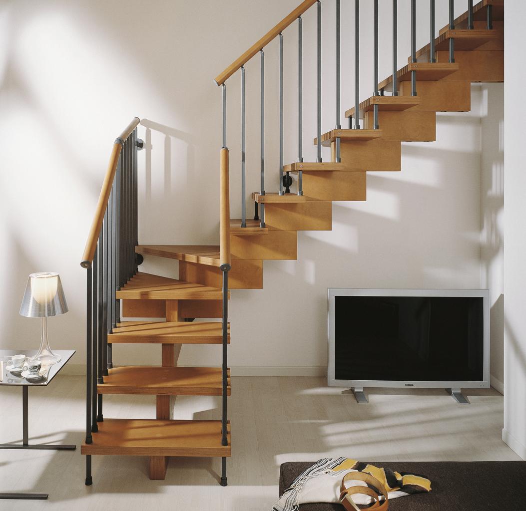 Escaleras patagonia flooring for Modelos de escaleras internas para casas